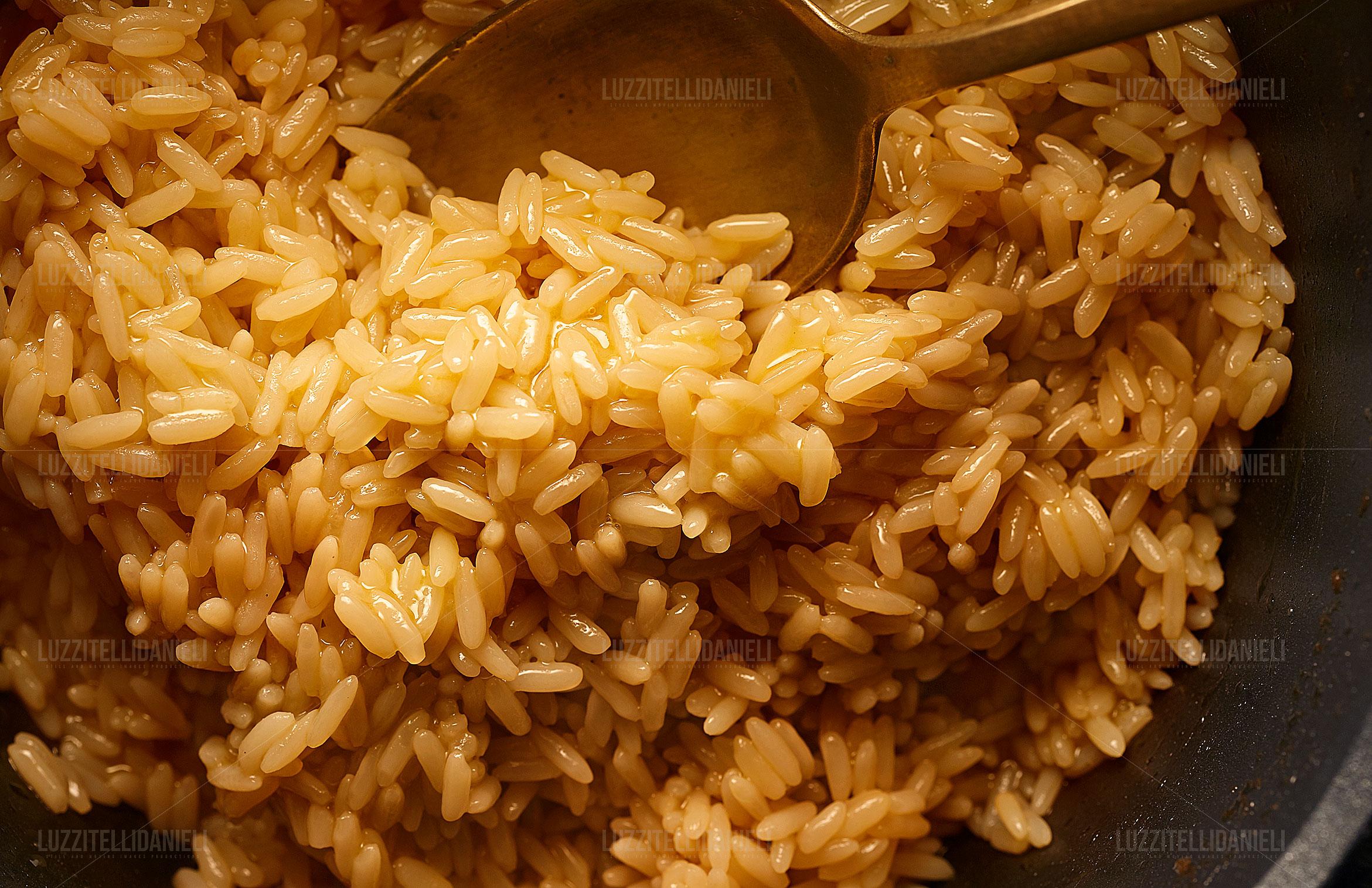 risotto con cucchiaio - rice with spoon